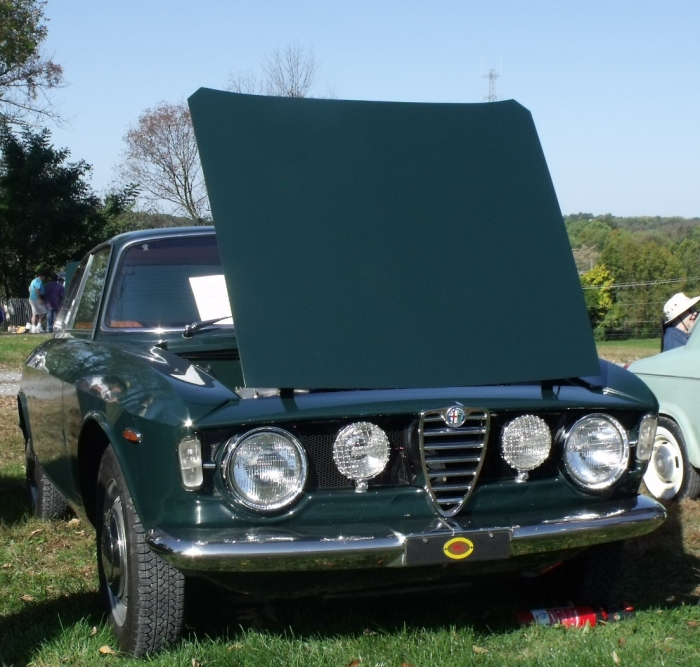 Pete Wyman's 1967 Alfa Romeo at Hershey in Oct. 2010. Note the HPOF award on the front.