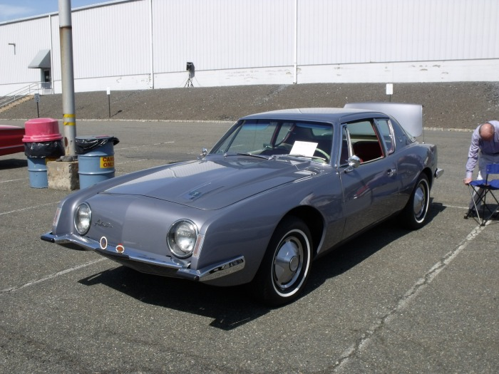 A 1963 (first year) Studebaker Avanti. Note the round headlight bezels, found only in '63.
