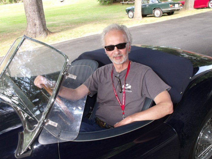 Richard trite on an XK140 for size, decides he likes it.