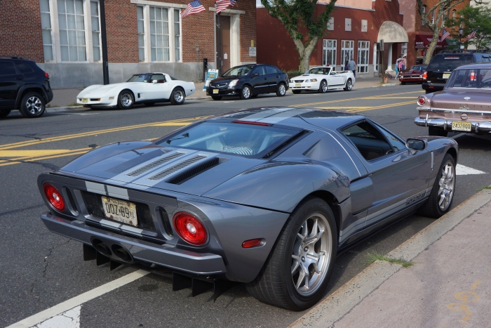A modern-day supercar you can drive to work: the Ford GT