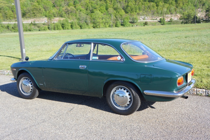 The author's '67 Alfa GT Junior