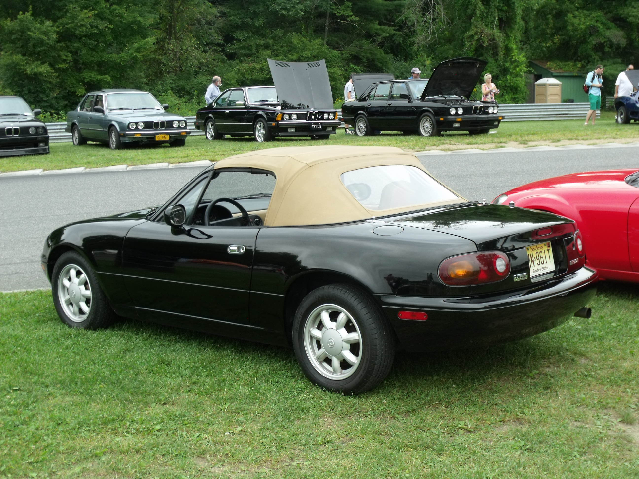 Car Headlight Bulb >> Heater Core Replacement in the '93 Mazda Miata: Part 1 ...