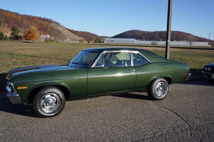 Larry's 1972 Nova