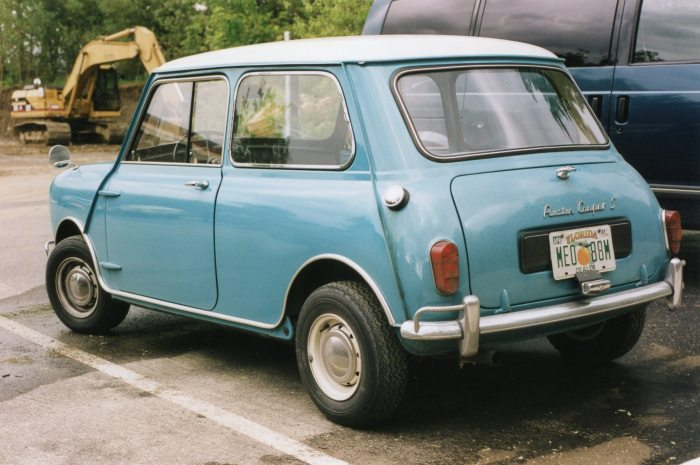 Austin Mini Cooper (this is the original one, folks)